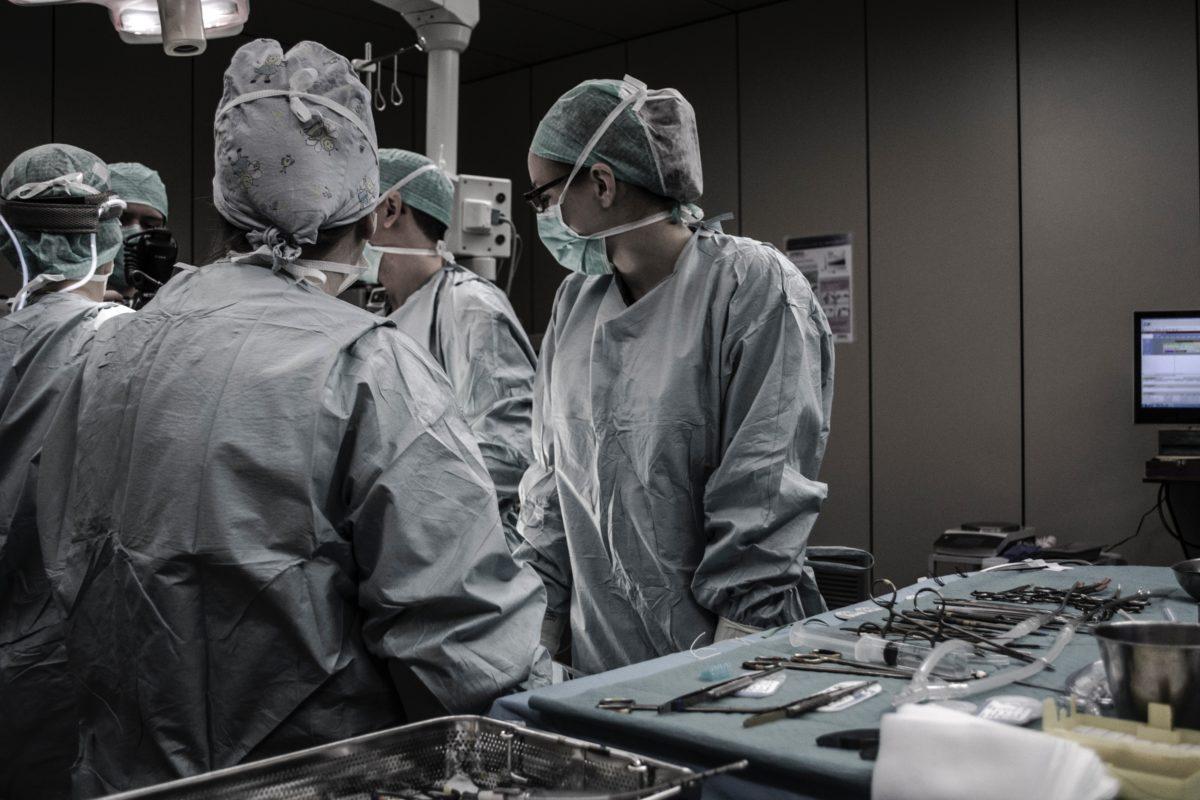 Κοιλιοπλαστική – Νέα τεχνική για την πτύχωση της περιτονίας των ορθών κοιλιακών